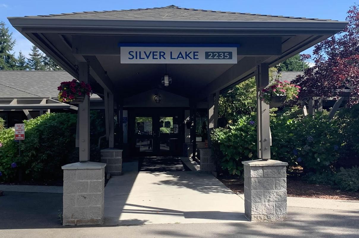 Silver Lake Entrance